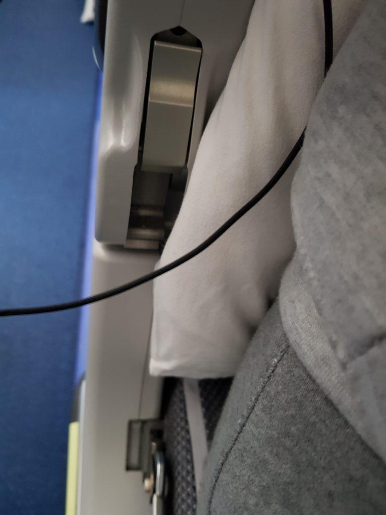 Lufthansa premium economy - armrest