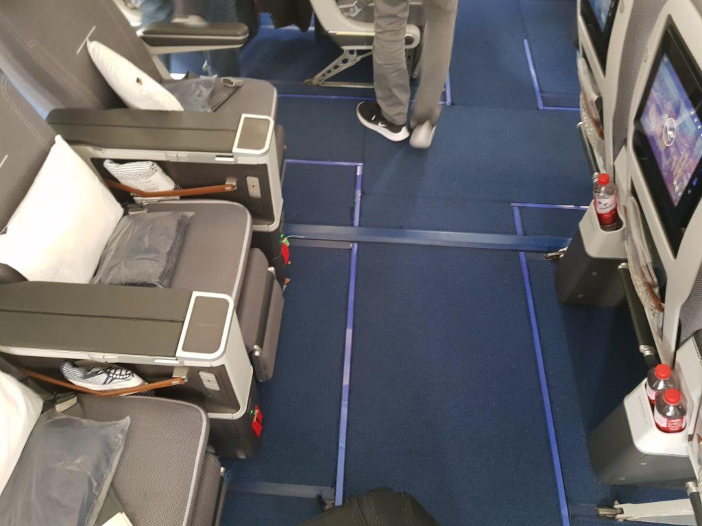 Lufthansa premium economy - seats 1
