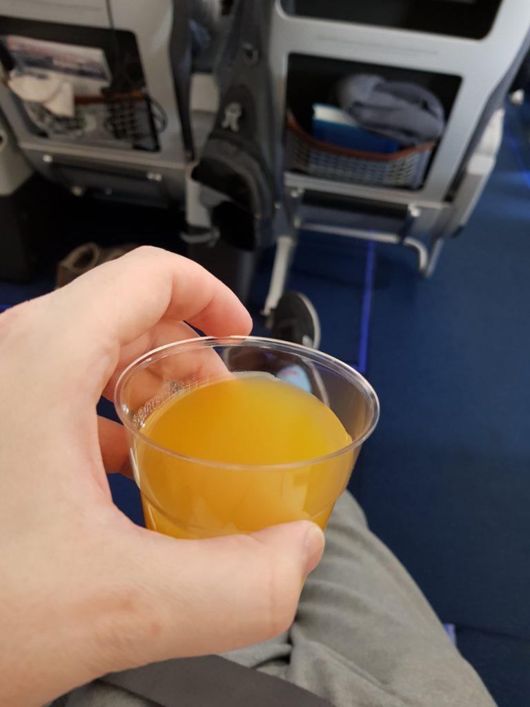 Lufthansa premium economy - welcome drink