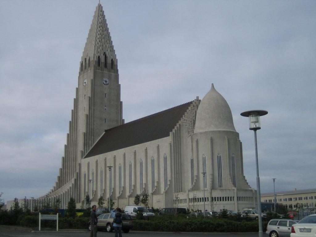 Backpacking in Iceland - Hallgrimskirkja in Reykjavik