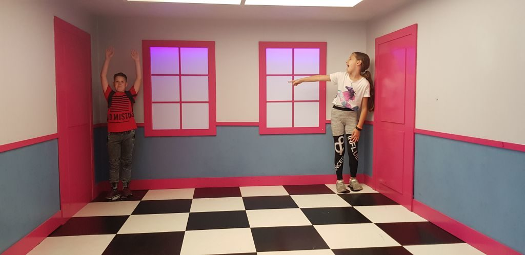 Copernicus Science Centre - Ames room