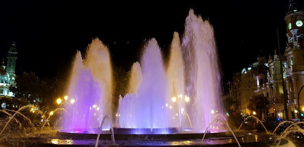 Luminous fountain on the Plaza del Ayuntamiento